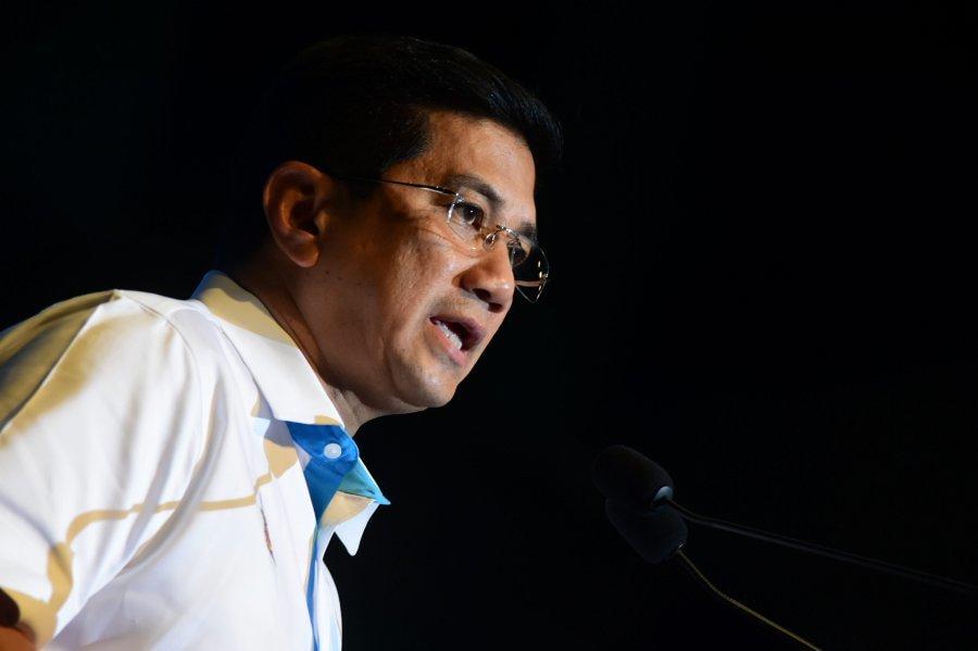 Menteri Hal Ehwal Ekonomi- Dato' Seri Mohamed Azmin bin Ali