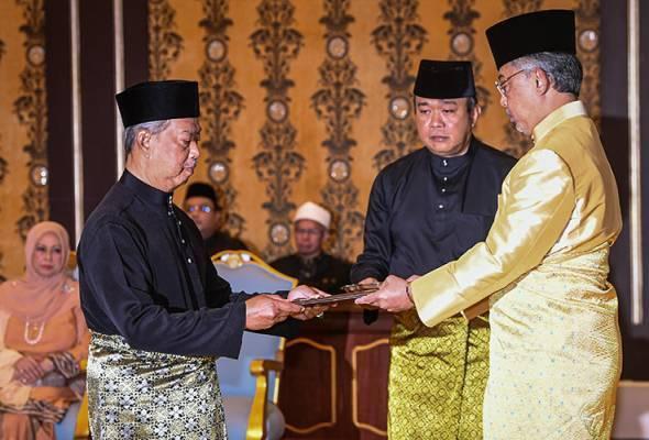 Senarai Penuh Menteri Kabinet & Timbalan Menteri Beserta Portfolio